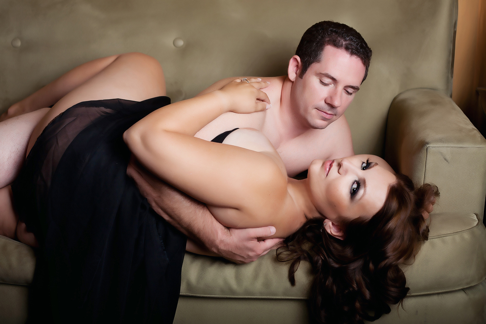 Couples photography shoot in Vegas with Haute Shots.