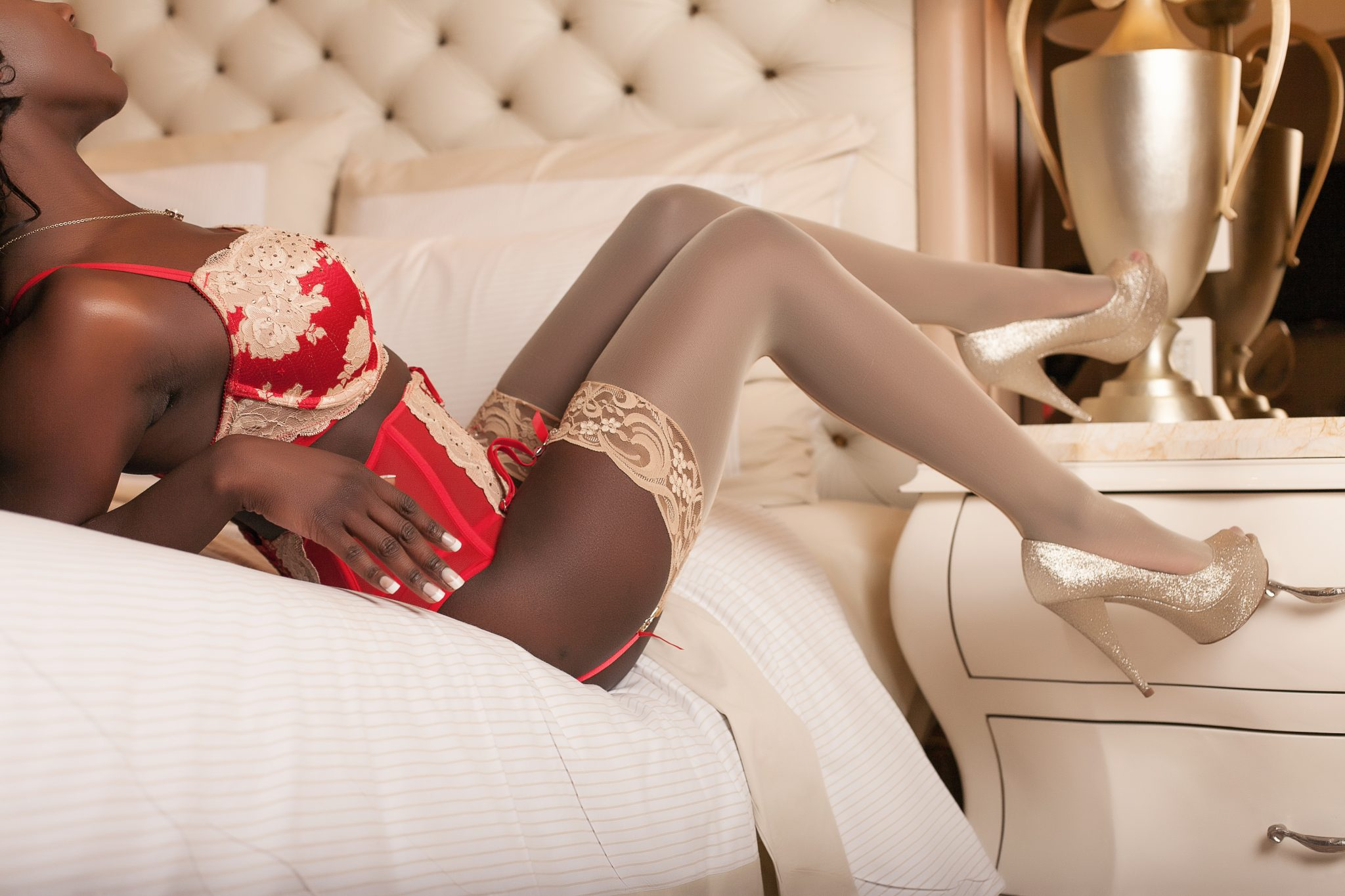 Beautiful ingerie set and pose in intimate boudoir session in Vegas with Stacie Frazier of Haute Shots.