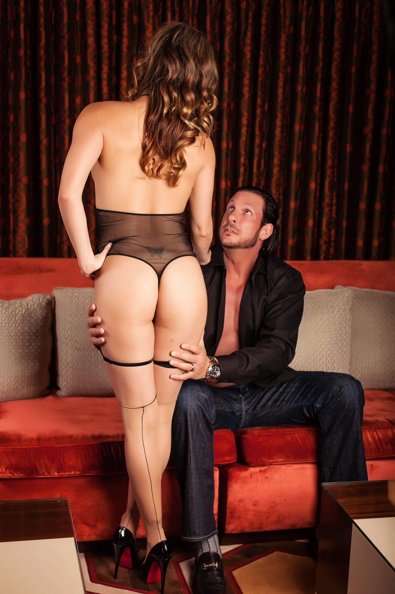 Sexy photoshoot for couples in Las Vegas by Haute Shots.