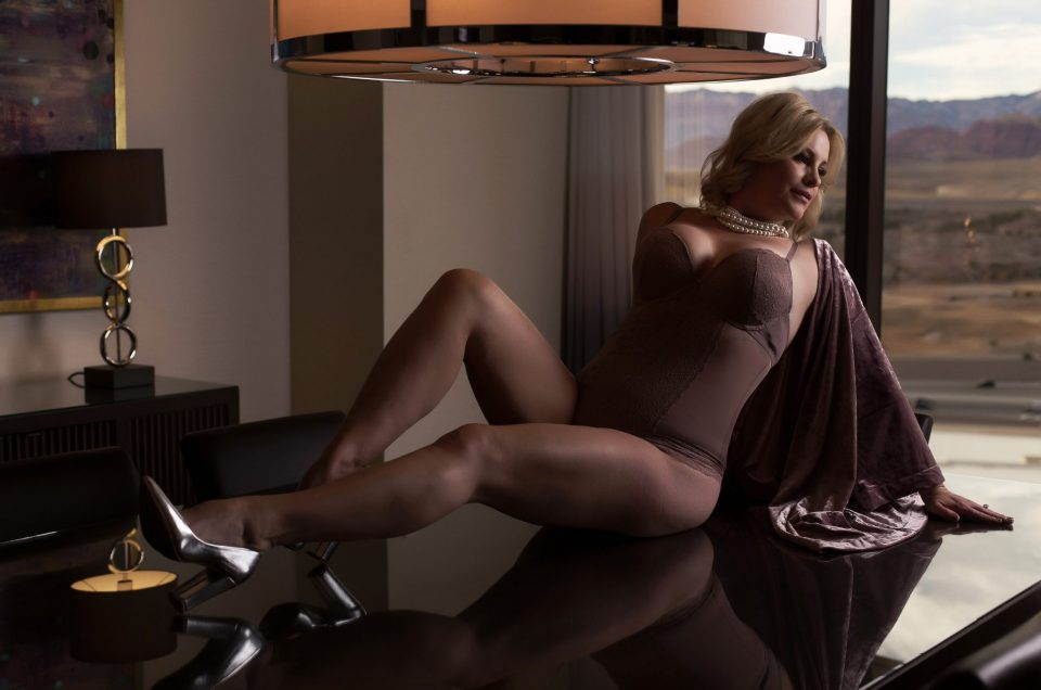 haute shots, stacie frazier, vegas boudoir photography, vegas boudoir photographer, photography for women,